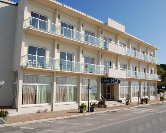 http://www.hotellidofollonica.com/wp-content/uploads/2016/03/hotel-lido-17-540x432.jpg
