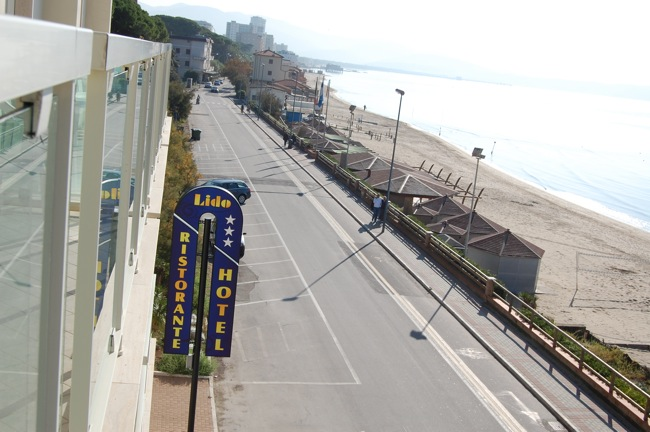 http://www.hotellidofollonica.com/wp-content/uploads/2016/03/hotel-lido-4.jpg