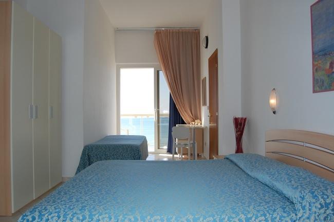 http://www.hotellidofollonica.com/wp-content/uploads/2016/03/hotel-lido-5.jpg