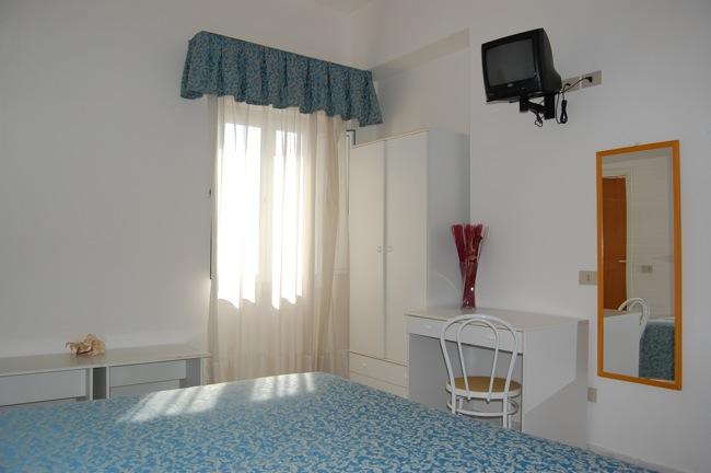 http://www.hotellidofollonica.com/wp-content/uploads/2016/03/hotel-lido-9.jpg