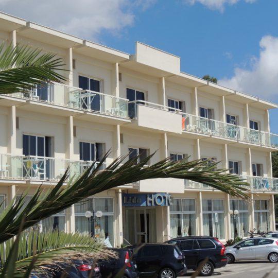 http://www.hotellidofollonica.com/wp-content/uploads/2016/03/n_23-540x540.jpg