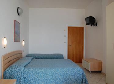http://www.hotellidofollonica.com/wp-content/uploads/2016/11/hotel-lido-6.jpg